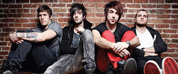 All Time Low reaparecen con 'Something's Gotta Give'