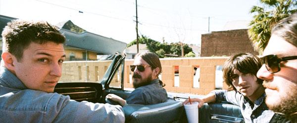 Nueva colaboración de Josh Homme con Arctic Monkeys