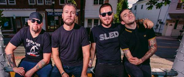 Nuevo vídeo de Authority Zero 'First One In The Pit'