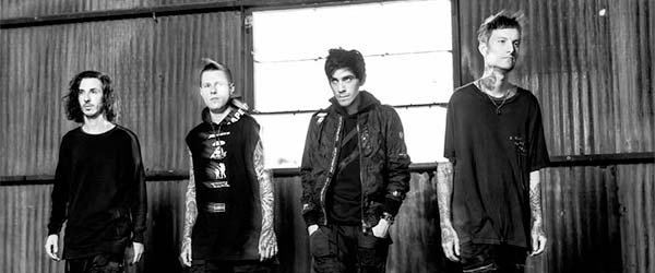 "Nuevo vídeo de Crown The Empire: ""MZRY"""