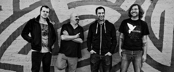 Nueva banda: Dead Ending (Alkaline Trio, Rise Against,...)