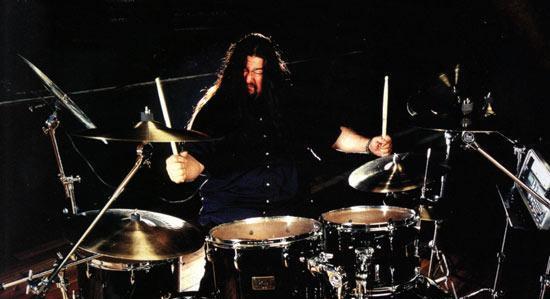 Gene Hoglan será el batería para el nuevo disco de Testament