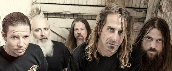 Lamb Of God resucitan a Burn The Priest
