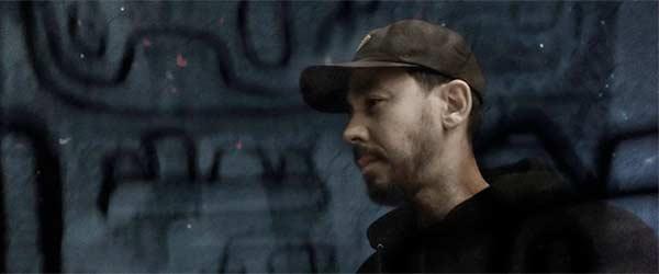 Mike Shinoda lanza el vídeo de 'Running From My Shadow'