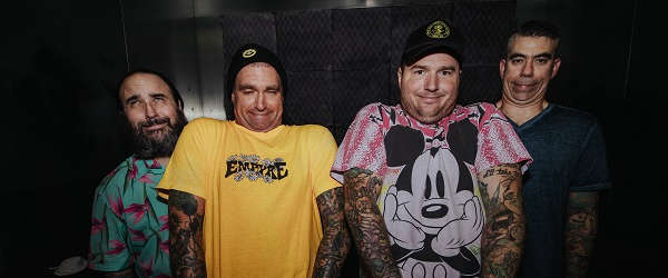 "New Found Glory lanzan el vídeo para ""Stay Awhile"""