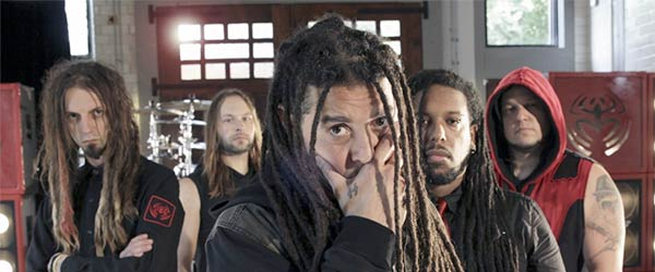 """Vídeo de Nonpoint: """"Divided... Conquer Them"""""""