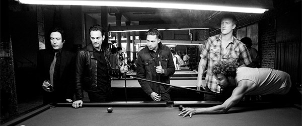 Queens of the Stone Age apuntan al estudio de nuevo
