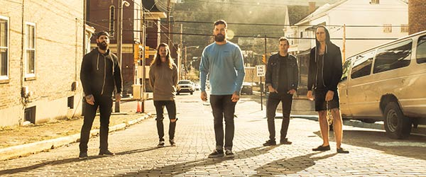 Vídeo adelanto de Senses Fail: 'Gold Jacket, Green Jacket...'