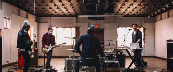 """Sparta adelanta su nuevo álbum con el vídeo de """"Empty Houses"""""""