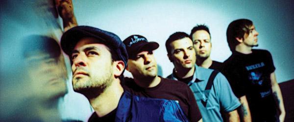 Escucha lo nuevo de Strung Out