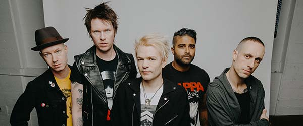 "SUM 41 lanzan el vídeo para ""Never There"""