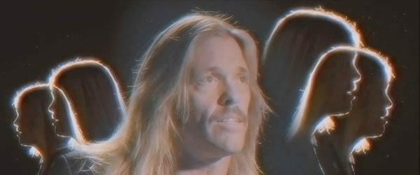 """Vídeo de Taylor Hawkins (Foo Fighters): """"Range Rover Bitch"""""""