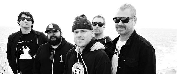 The Bronx vuelven al punk con 'Sore Throat'