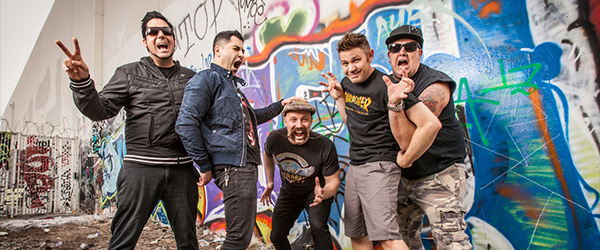 "Vídeo de Zebrahead: ""Who Brings a Knife to a Gunfight?"""