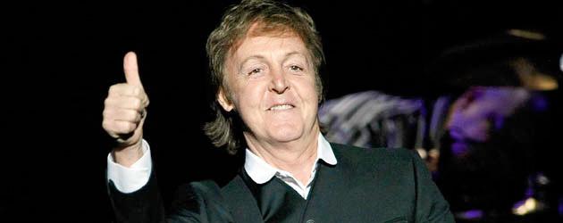 Paul McCartney actúa con Nirvana