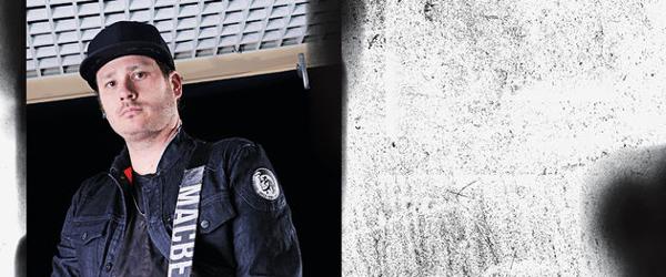 """Nuevo vídeo de Tom DeLonge: """"Circle-Jerk-Pit"""""""