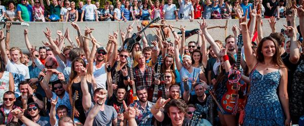 Vídeo: 'What I've Done' de Linkin Park interpretada por 150 músicos en Moscú